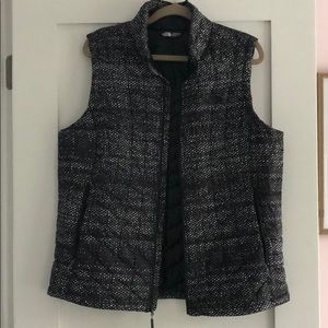 The North Face Black w Dotted Design Puffer Vest